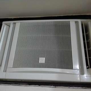 日立牌冷氣機