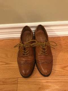 Brogues with Heel