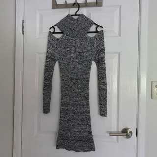 Blockout Turtle Neck Knit dress