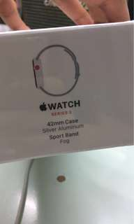 全新未開封 Apple Watch Series 3 - Silver - 42mm case - sport band