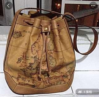 地圖手袋,只用過兩次,很新淨