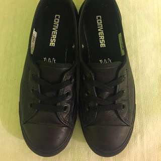 Converse slip on shoes size 5