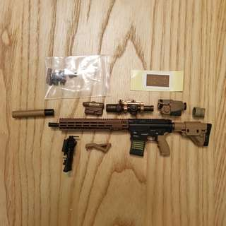 1/6 scale HK417 rifle with accessories