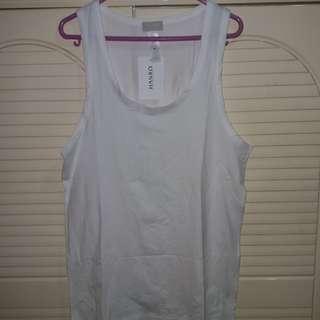 全新  Hanro 男裝白色背心 (superior 棉料) 衫長27.5寸  闊17寸  中碼 size M 欧州買入