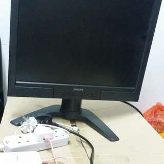 想用圖中電腦螢幕換部電視機 要運作正常的