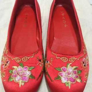 Traditional wedding shoes