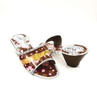 Paper Craft ladies Footwear / 纸扎女士鞋子