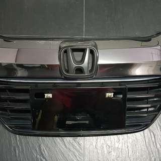 Honda Vezel Hybrid Front Grille