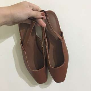 韓版小方頭後拉帶低跟鞋