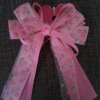 Very Pretty Bow Hair Clip