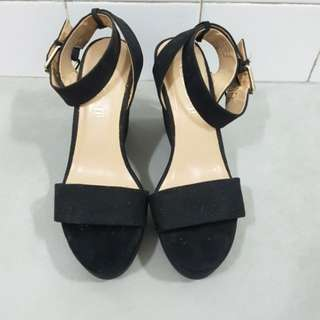 (Reduced to Clear) ALDO Black Wedges Size 36