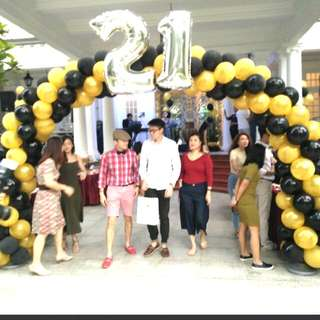 21st birthday balloon arch private party decoration