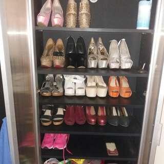 mau jual semua koleksi sepatu heels ku