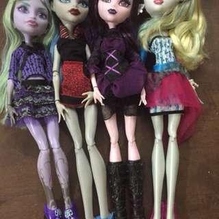 Elissabat, Twyla, Lagoona and Ghoulia