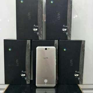 Luna 5.5 smart phone