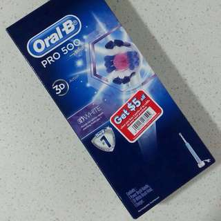 Oral B Pro 500 Electric Toothbrush featuring 3D Action with 3D White Brushhead