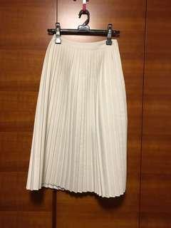 白色百摺裙