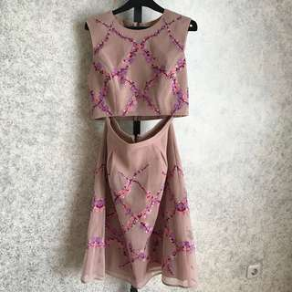 BCBG MAXAZRIA embroidered top & cocktail midi skirt set size M *BRANDED ORI*