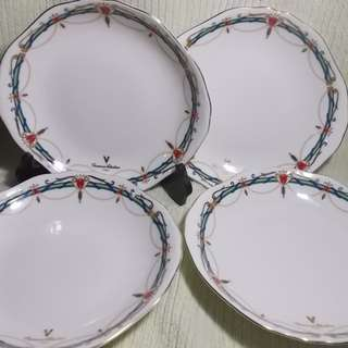 Giovanni Valentino Fine Bone Cake Plates
