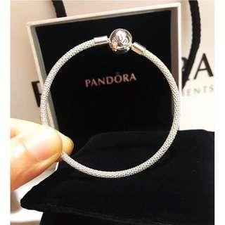 原價$599 全新 pandora moments silver mesh bracelet