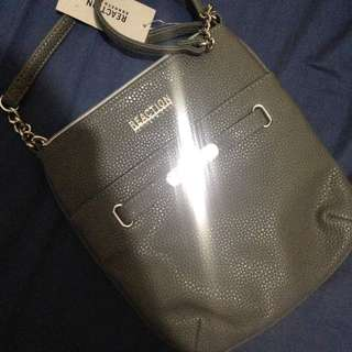 Kenneth Cole Sling Bag Authentic