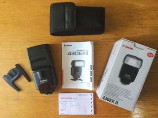Canon Speedlite 430EXII Like New Condition