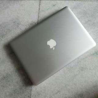 Macbook Pro Mid 2010, mulus & banyak bonus