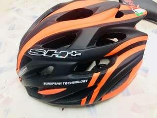 Sh+ helmet