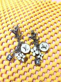 Lv earring