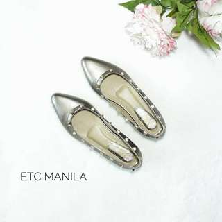 Sale!!! Gold-Plated Studs Valentino Flat Shoes