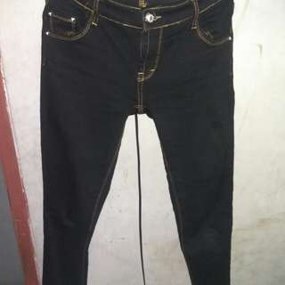 Jeans / celana hitam
