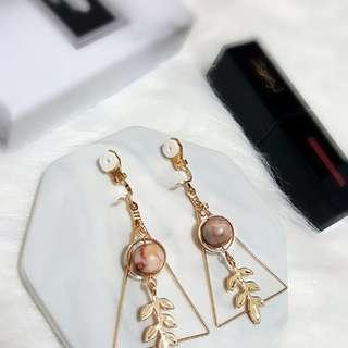 Triangle Earrings Clip