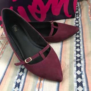 Payless Fioni Pointy Flats