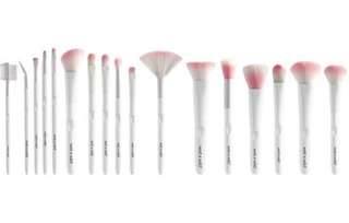 AUTHENTIC WET N WILD BRUSHES SALE! and wet n wild Color icon blush