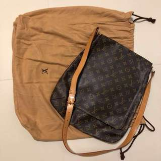 LOUIS VUITTON Monogram Canvas Musette Salsa w/ Long Strap Bag