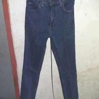 Jeans / celana dongker