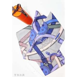 貨主降價!! 👏🏻👏🏻荀價靚貨😍😍  HERMES Cavalcadour 卡瓦爾卡多 紫色/ 灰色 / 橙色圖案 Maxi Twilly 真絲大款長形絲巾 (20 cm x 220 cm)  特價 : HK$2,880 -> 減至--> HK$2,580