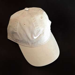 NIKE BEIGE CAP