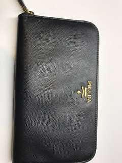 Prada Wallet 拉鍊款長銀包 卡位特多全新購自歐洲
