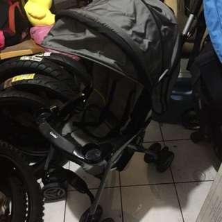 COMBI-可躺-快速收摺-嬰兒推車-特價1800