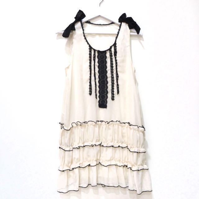 含運❣️米白色蕾絲蝴蝶結無袖洋裝