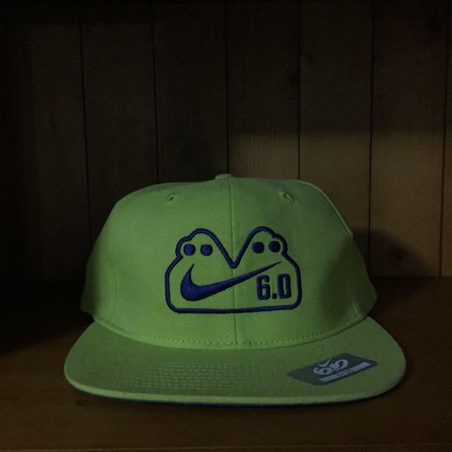 :: 新NIKE果綠全封小頭圍棒球帽美國帶回 ::