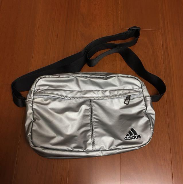 Adidas 銀色多功能包包