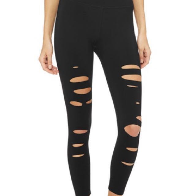 c49caff7fa2d1 Alo Yoga Ripped Warrior 7/8 Leggings (Black). S Size. , Sports ...