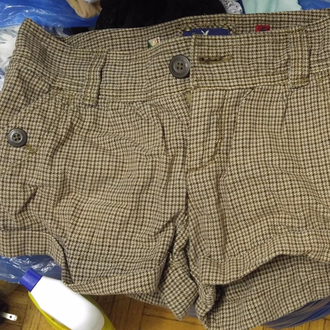American eagles x ferrari size 4 shorts