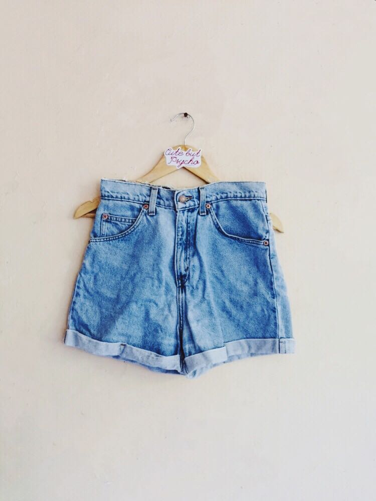 AUTHENTIC LEVIS MID BLUE MOM CUFFED SHORTS