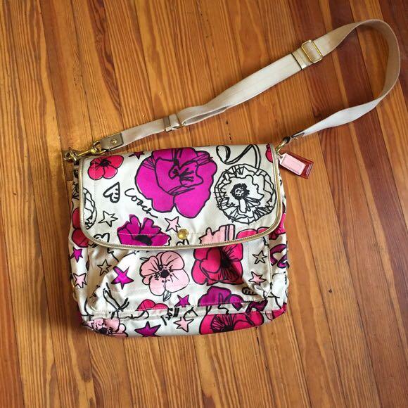 Coach poppy flower messenger bag preloved womens fashion bags photo photo mightylinksfo