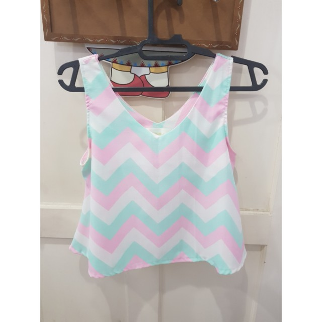 Colorful zigzag top