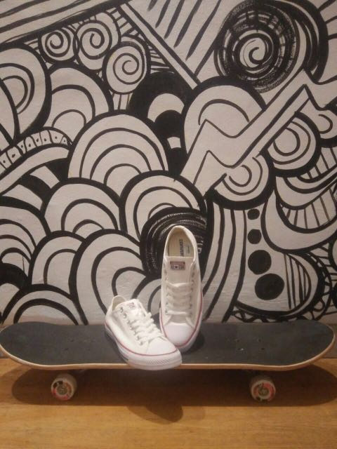 Converse white / NEW / 43