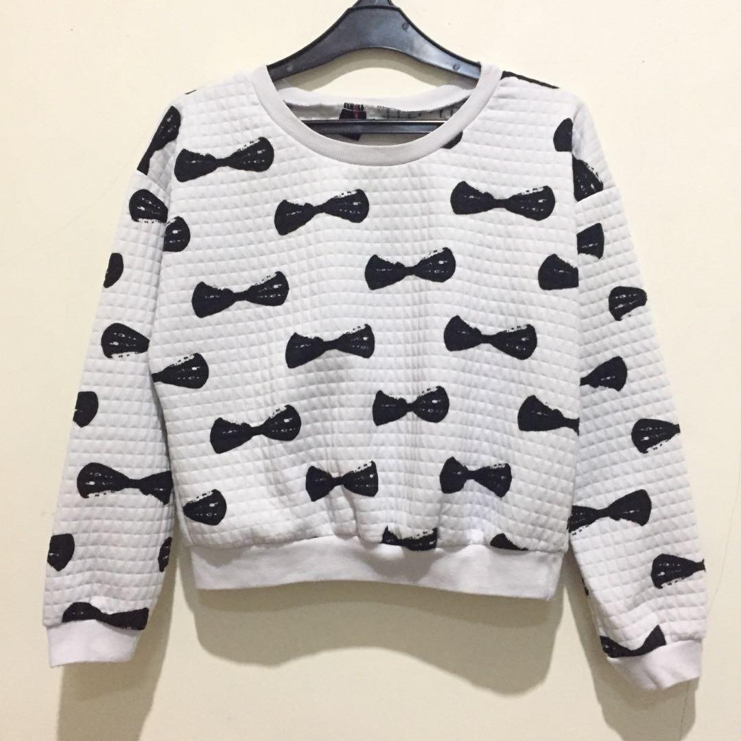 Crop Sweater Black & White